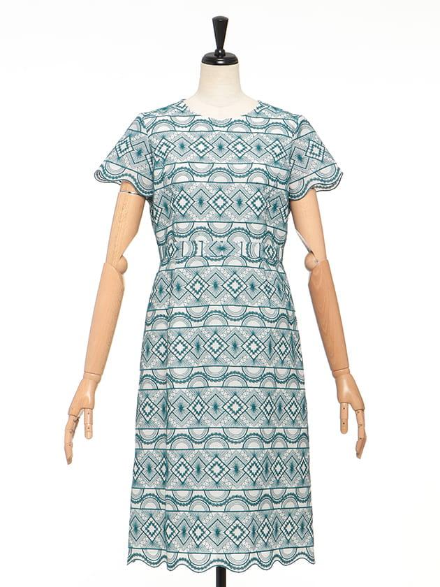 幾何刺繍ドレス